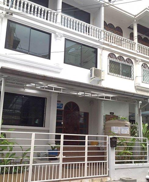 บ้านฟ้าใส ใกล้ BTS อ่อนนุช (Room for rent near BTS Onnut)
